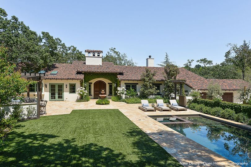 Stephen Curry's Outdoor Entertaining Area