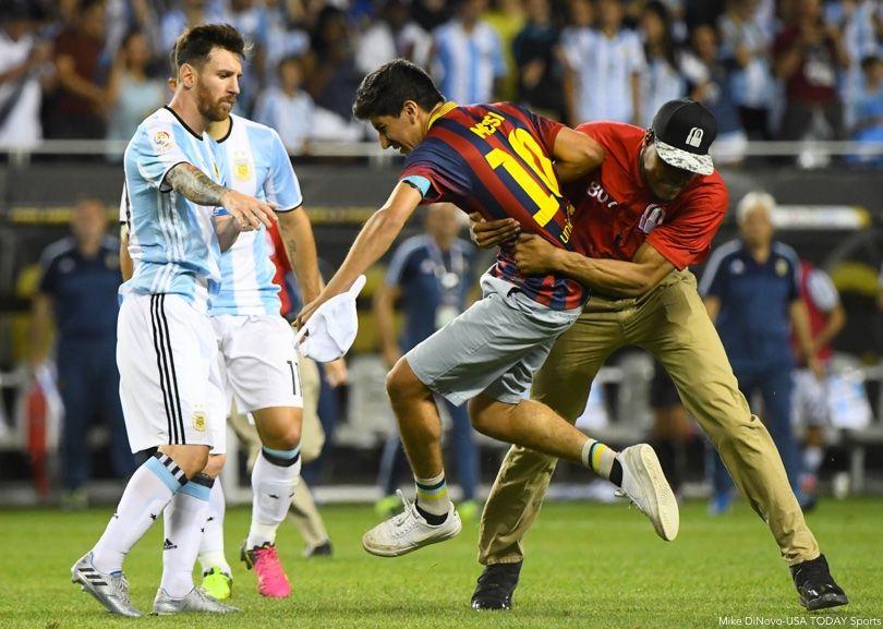 Lionel Messi Pitch Invader