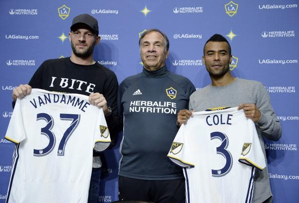 Bruce Arena, Ashley Cole