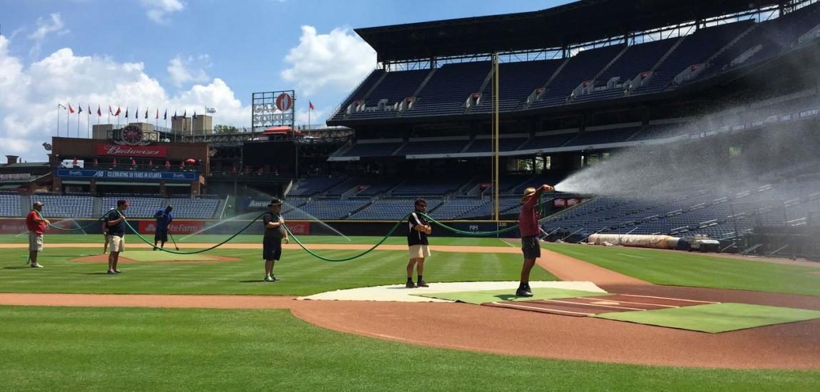 Atlanta Braves Grounds Crewmembers