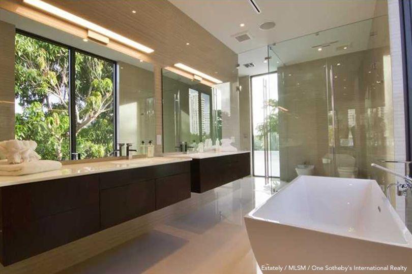 Floyd Mayweather's Bathroom